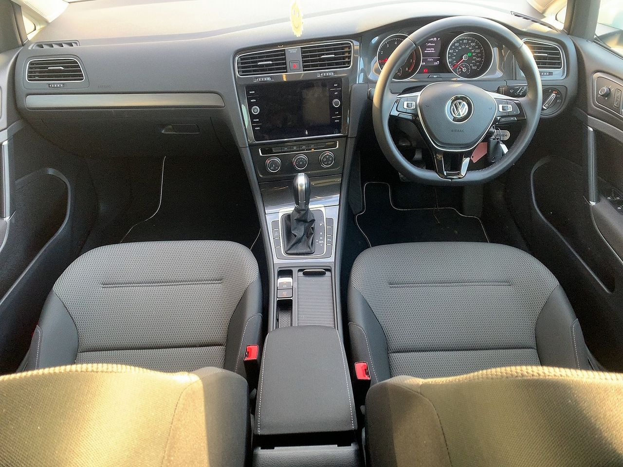 2019 VOLKSWAGEN Golf Match TSI 1.0 110 PS DSG - Picture 9 of 10