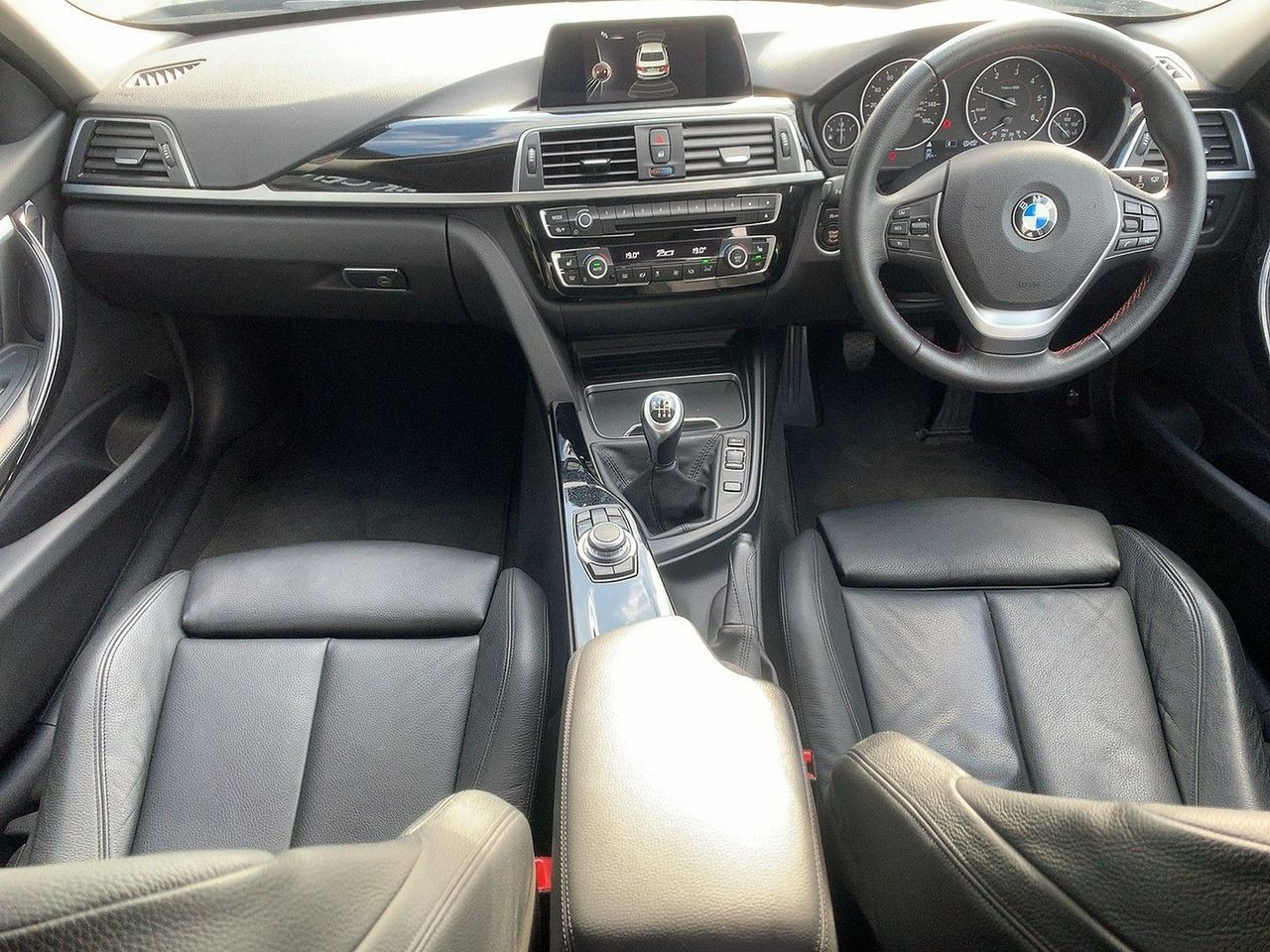 2017 BMW 3 Series 320d Sport - Picture 9 of 11