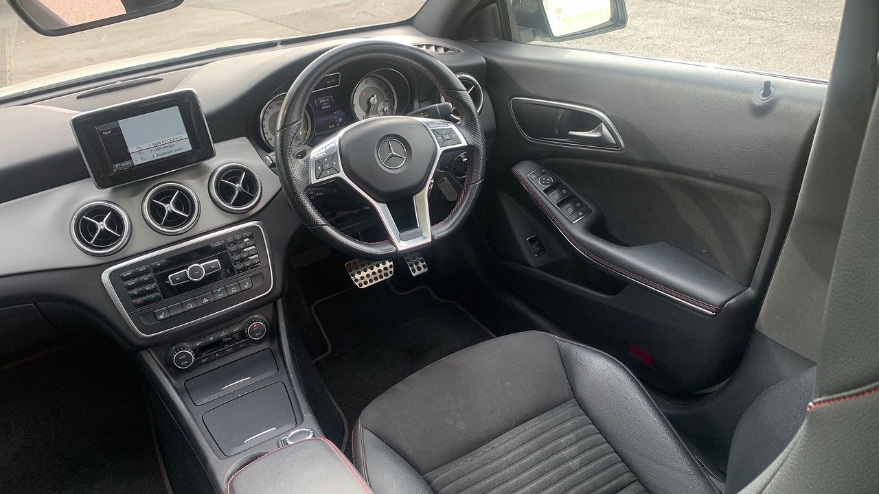 2014 MERCEDES CLA-Class CLA 220 CDI AMG Sport DCT - Picture 11 of 12