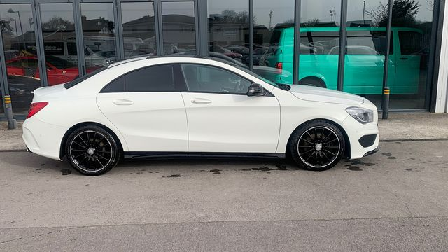 2014 MERCEDES CLA-Class CLA 220 CDI AMG Sport DCT - Picture 3 of 12