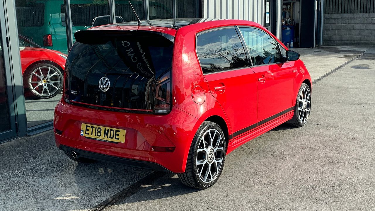 2018 VOLKSWAGEN up! 1.0 115PS up! GTI  - Picture 4 of 12