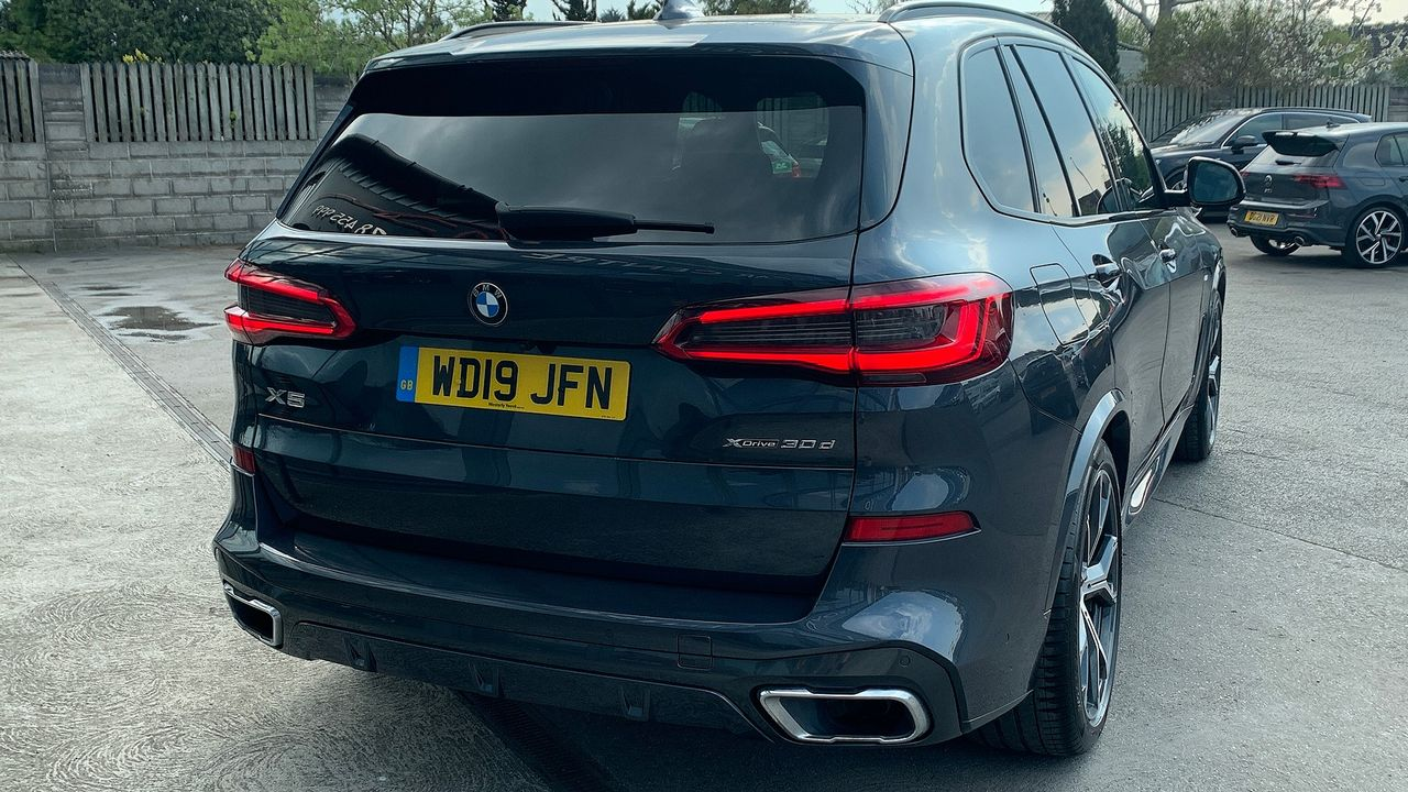 2019 BMW X5 xDrive 30d M Sport - Picture 12 of 27