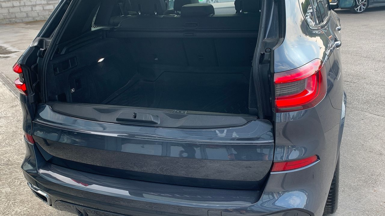 2019 BMW X5 xDrive 30d M Sport - Picture 13 of 27
