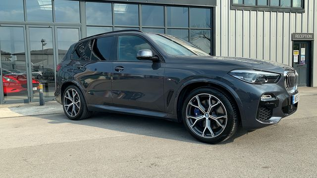 2019 BMW X5 xDrive 30d M Sport - Picture 3 of 27
