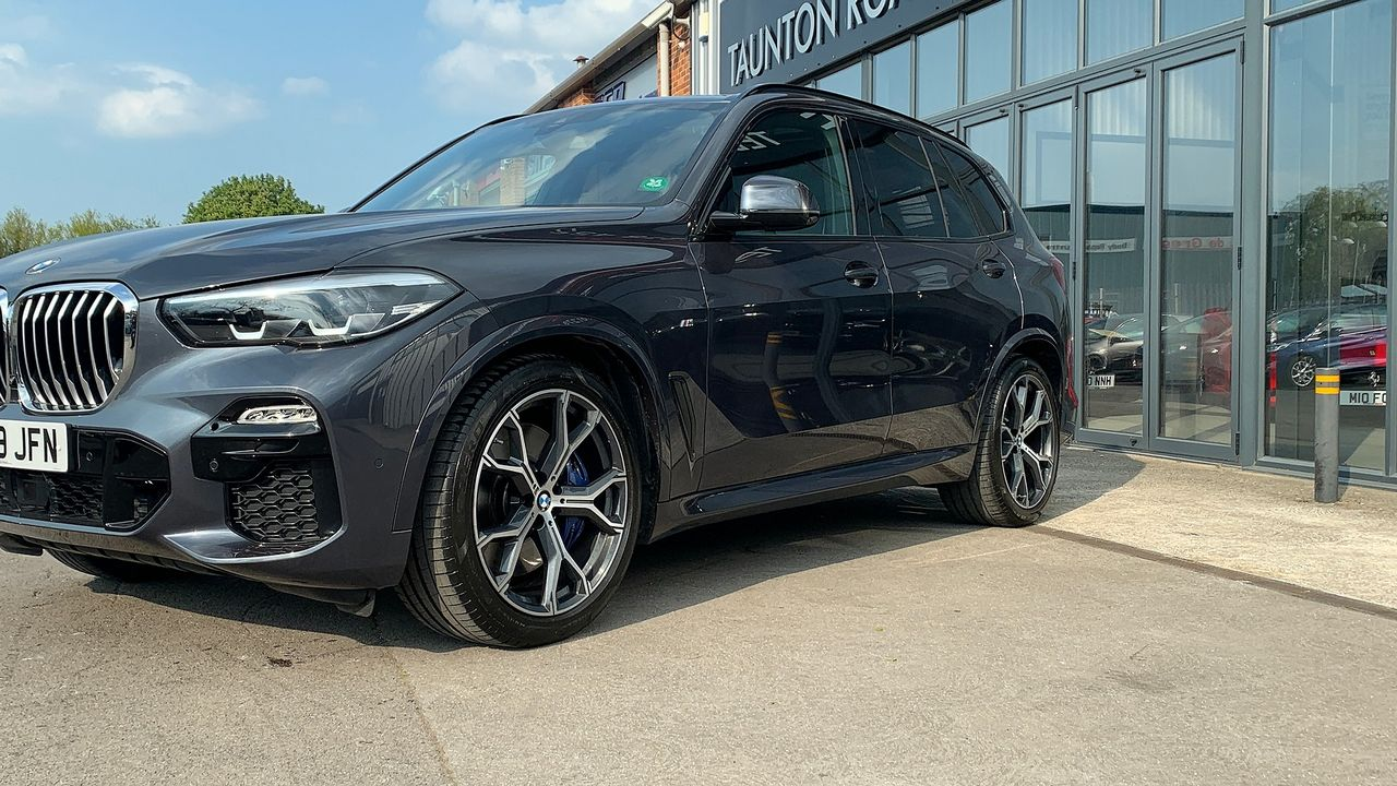 2019 BMW X5 xDrive 30d M Sport - Picture 6 of 27