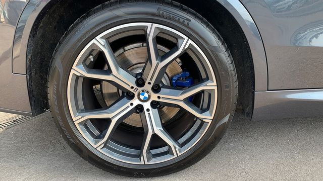2019 BMW X5 xDrive 30d M Sport - Picture 8 of 27
