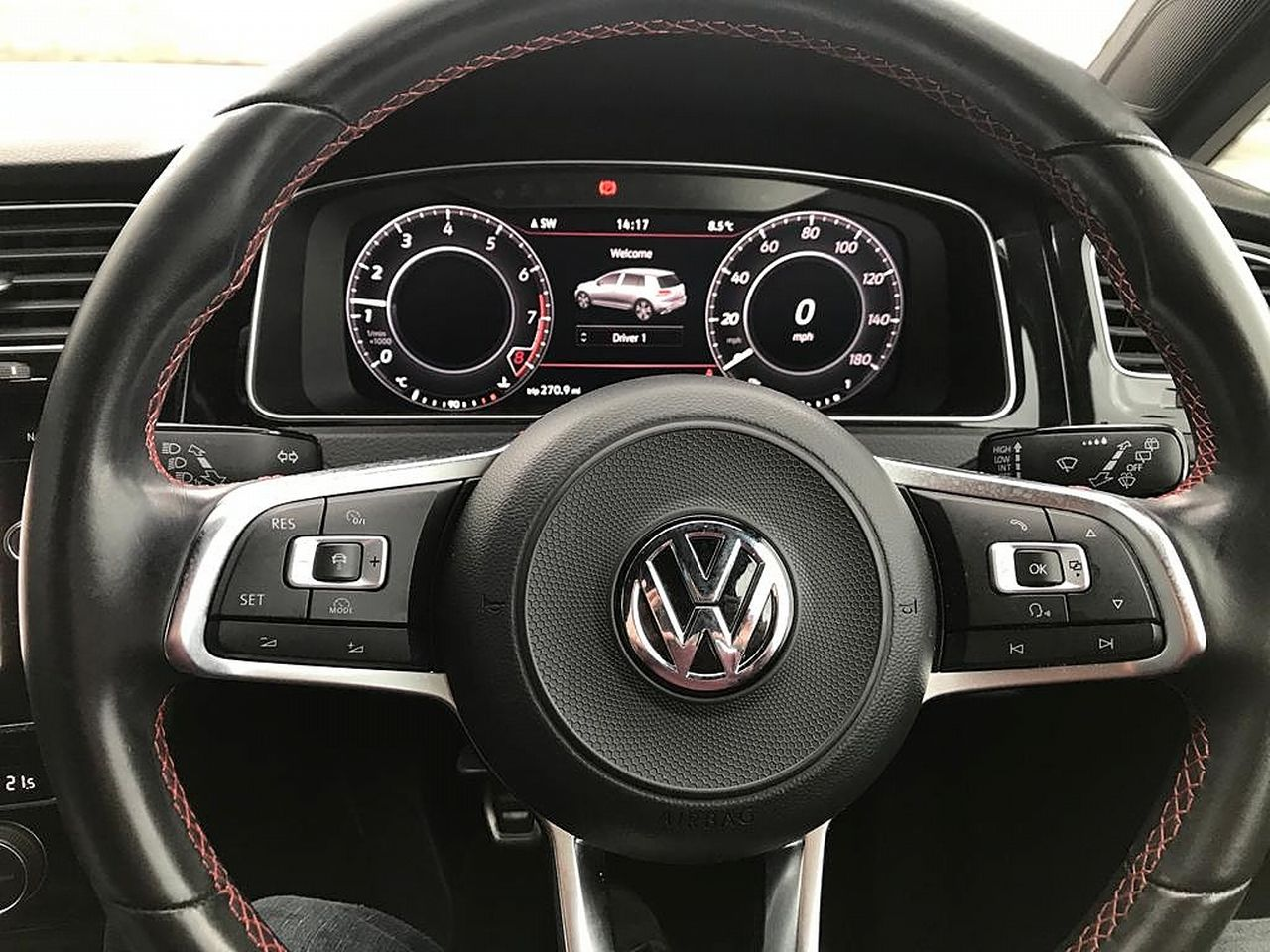 2018 VOLKSWAGEN Golf GTI Performance 2.0 245PS TSI - Picture 18 of 23