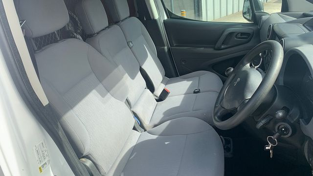 2015 PEUGEOT Partner 1.6HDi 75 Professional L1 - Picture 13 of 19
