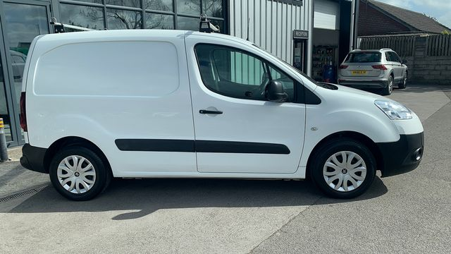 2015 PEUGEOT Partner 1.6HDi 75 Professional L1 - Picture 3 of 19