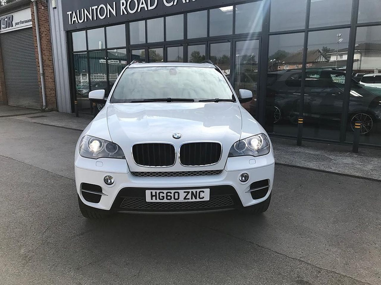 2011 BMW X5 xDrive30d SE - Picture 3 of 12