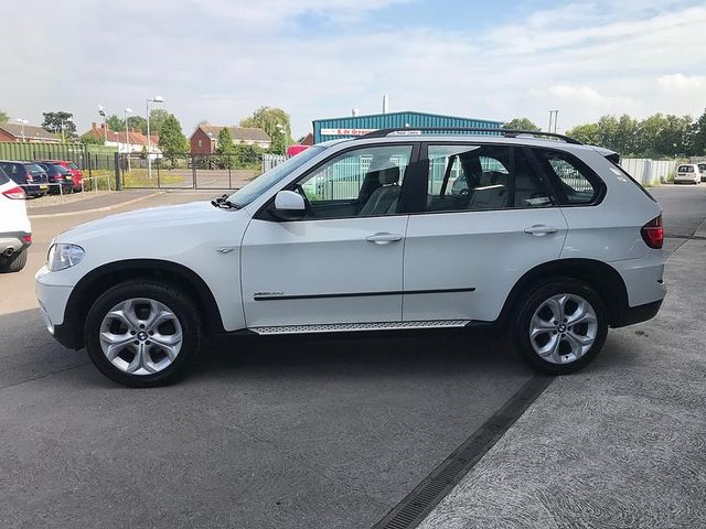 2011 BMW X5 xDrive30d SE - Picture 6 of 12