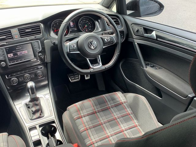 2015 VOLKSWAGEN Golf GTI 2.0 220PS TSI - Picture 8 of 10