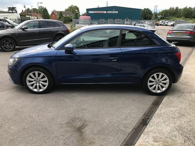 2011 AUDI A1 1.6 TDI Sport 105PS - Picture 10 of 19