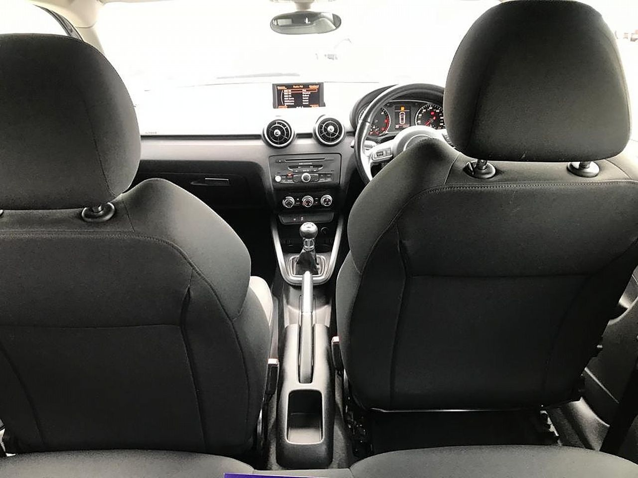 2011 AUDI A1 1.6 TDI Sport 105PS - Picture 17 of 19