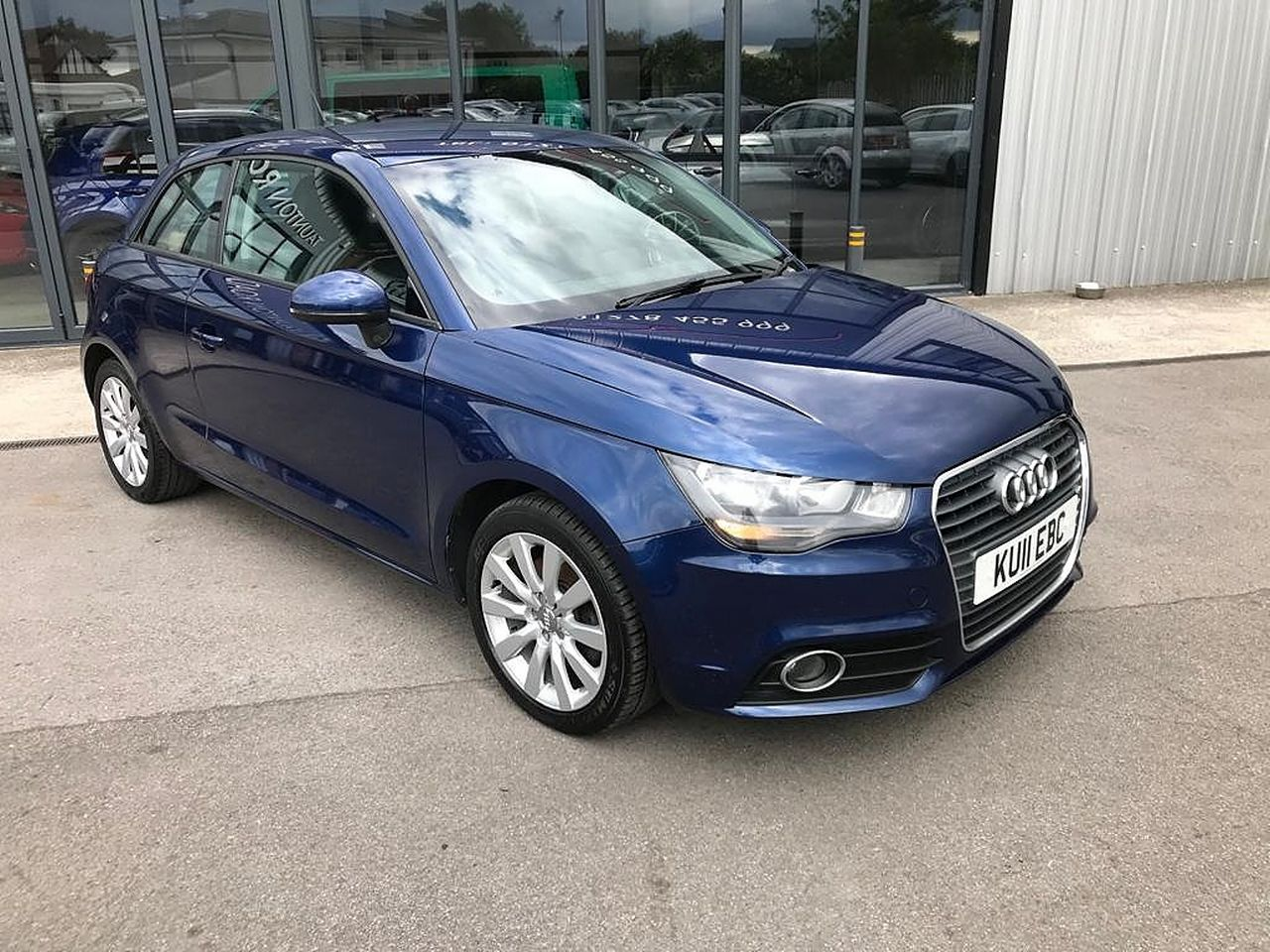 2011 AUDI A1 1.6 TDI Sport 105PS - Picture 8 of 19