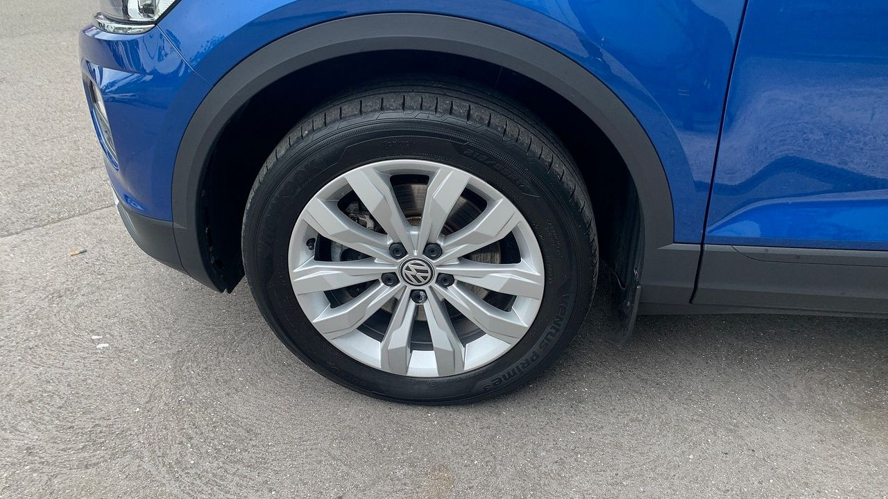 2018 VOLKSWAGEN T-Roc SE 1.6 TDI 115 PS 6-speed manual - Picture 12 of 21