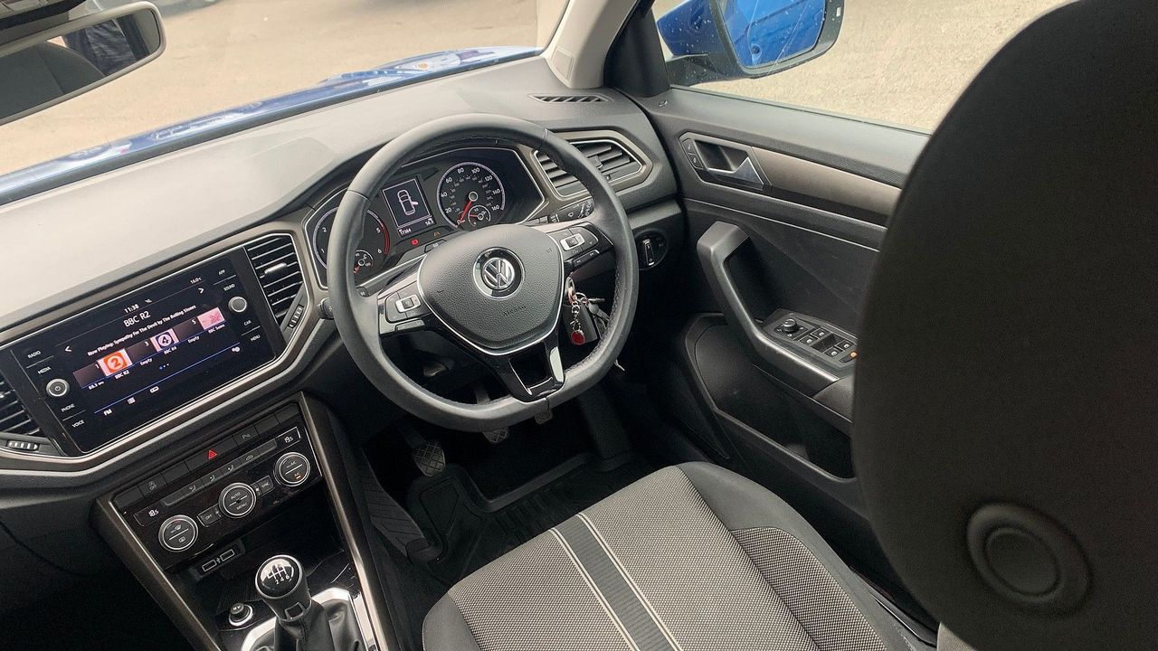 2018 VOLKSWAGEN T-Roc SE 1.6 TDI 115 PS 6-speed manual - Picture 19 of 21