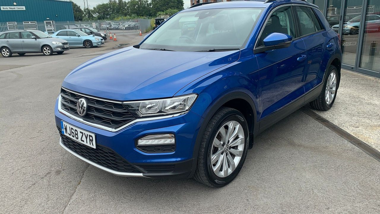 2018 VOLKSWAGEN T-Roc SE 1.6 TDI 115 PS 6-speed manual - Picture 5 of 21