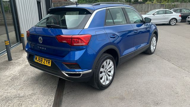 2018 VOLKSWAGEN T-Roc SE 1.6 TDI 115 PS 6-speed manual - Picture 9 of 21