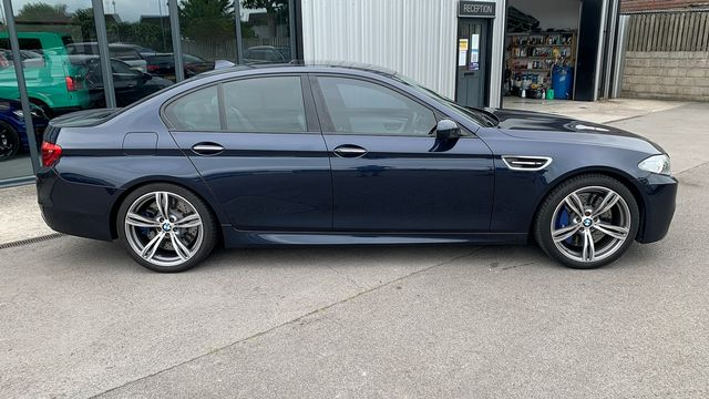 2014 BMW 5 Series M5 - Picture 2 of 15