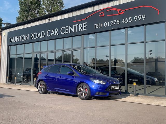 2014 FORD Focus ST 2.0 EcoBoost 250PS