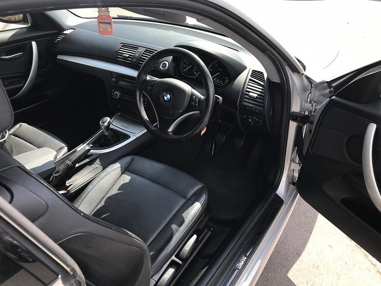 2008 BMW 1 Series 120d SE - Picture 10 of 12