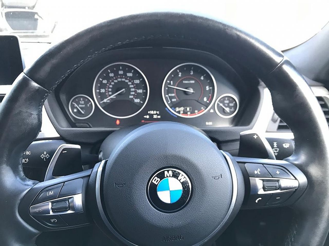 2017 BMW 3 Series 330d M Sport - Picture 10 of 14