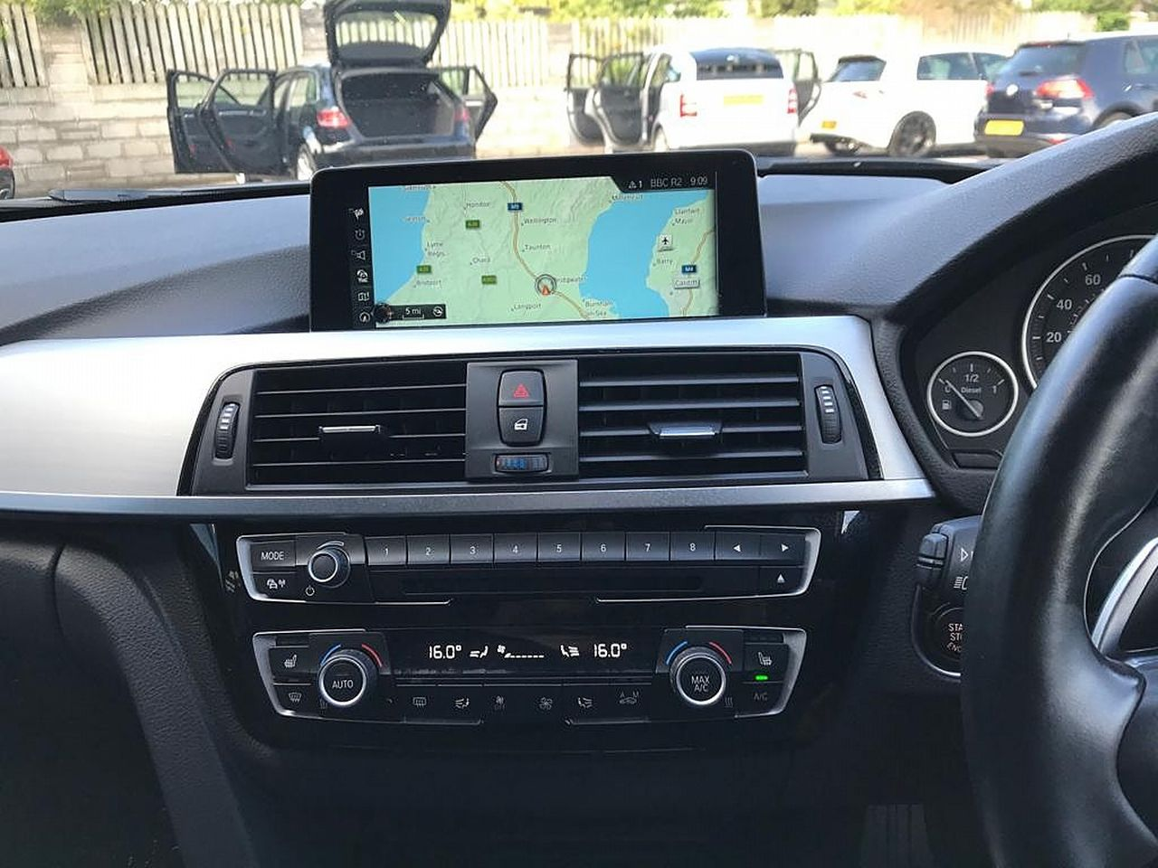 2017 BMW 3 Series 330d M Sport - Picture 11 of 14