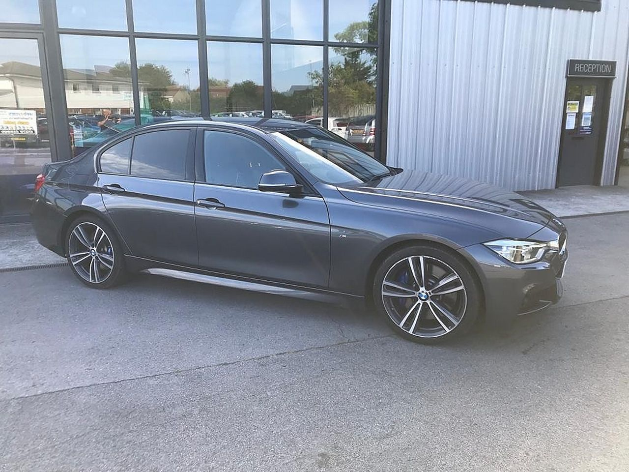 2017 BMW 3 Series 330d M Sport - Picture 1 of 14
