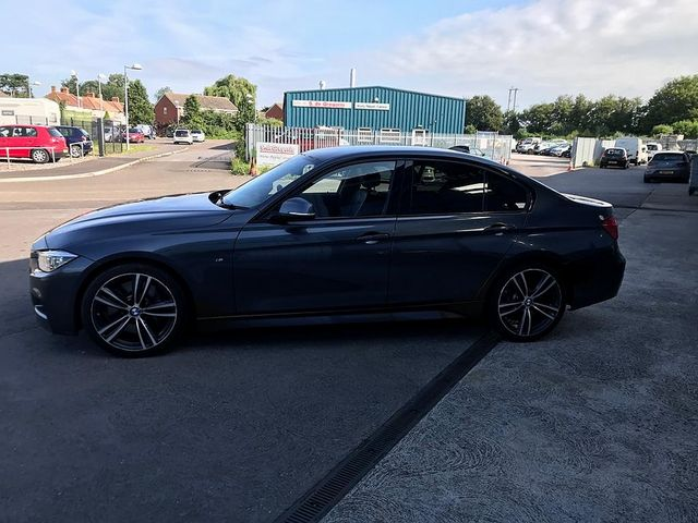 2017 BMW 3 Series 330d M Sport - Picture 8 of 14