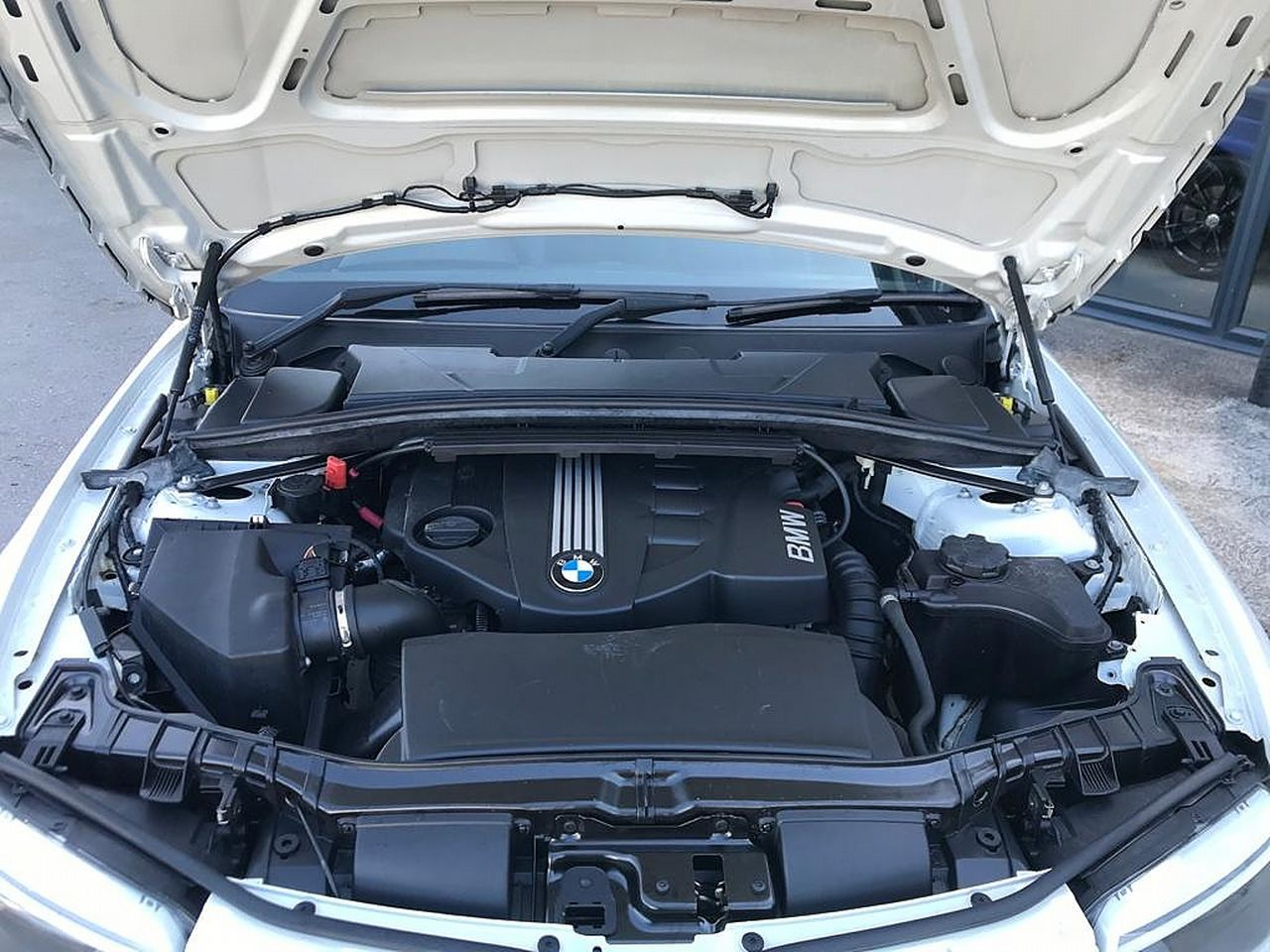 2013 BMW 1 Series 118d Sport Plus Edition - Picture 16 of 19