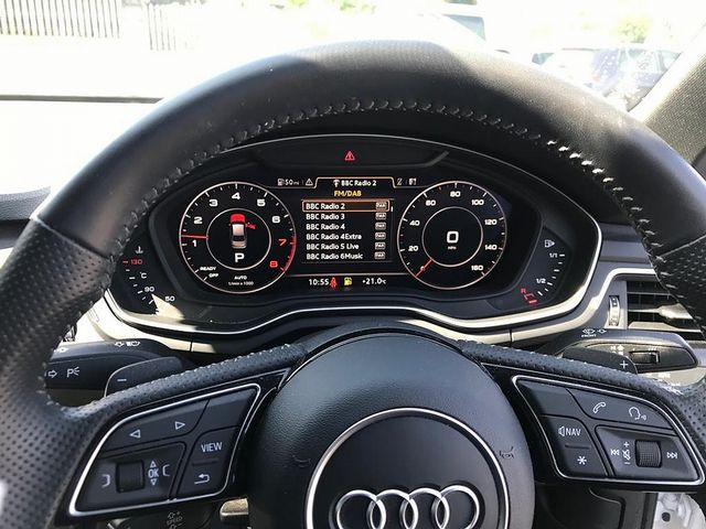 2017 AUDI A4 Black Ed 2.0 TFSI 252PS quattro S tronic - Picture 12 of 17