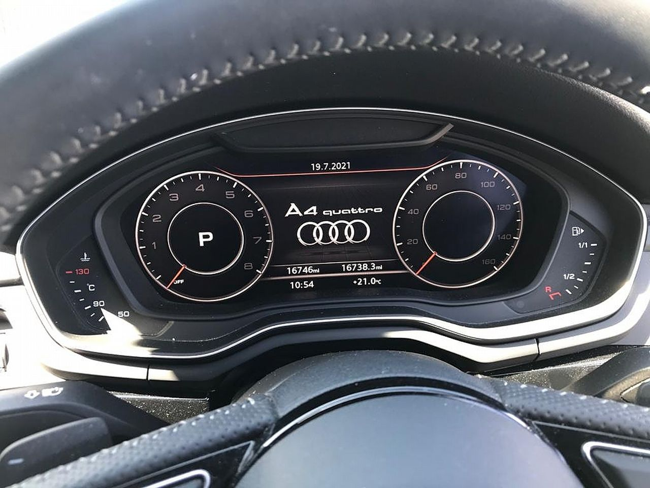 2017 AUDI A4 Black Ed 2.0 TFSI 252PS quattro S tronic - Picture 16 of 17