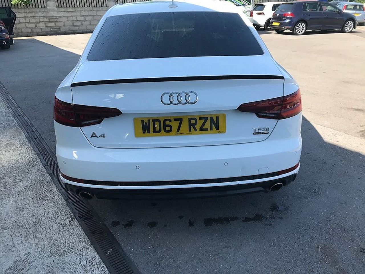 2017 AUDI A4 Black Ed 2.0 TFSI 252PS quattro S tronic - Picture 4 of 17