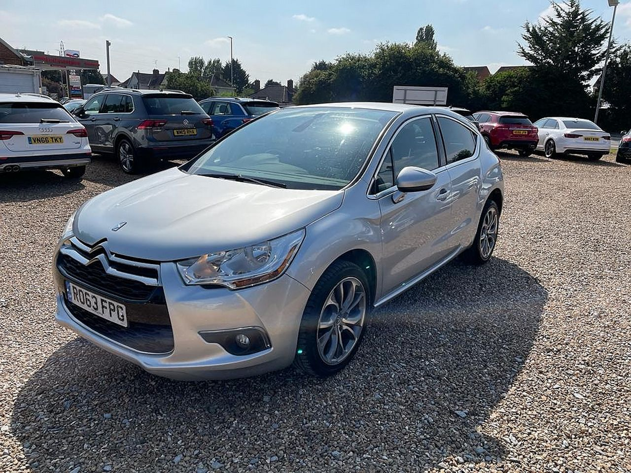 2013 CITROEN DS4 DStyle e-HDi 115 Airdream EGS6 - Picture 6 of 13