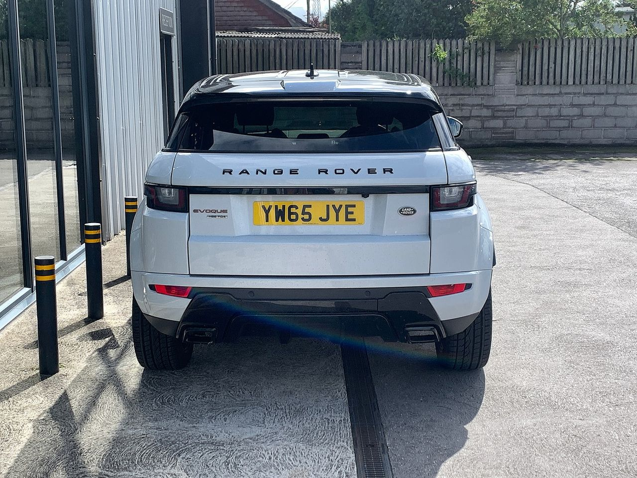 2015 LAND ROVER Range Rover Evoque Td4 180hp HSE Dynamic 9Sp Auto 4WD - Picture 5 of 11