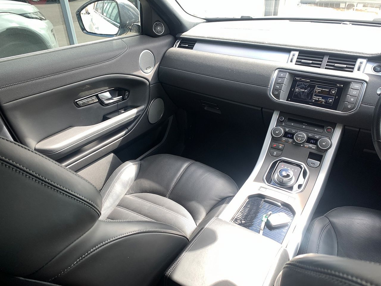 2015 LAND ROVER Range Rover Evoque Td4 180hp HSE Dynamic 9Sp Auto 4WD - Picture 9 of 11