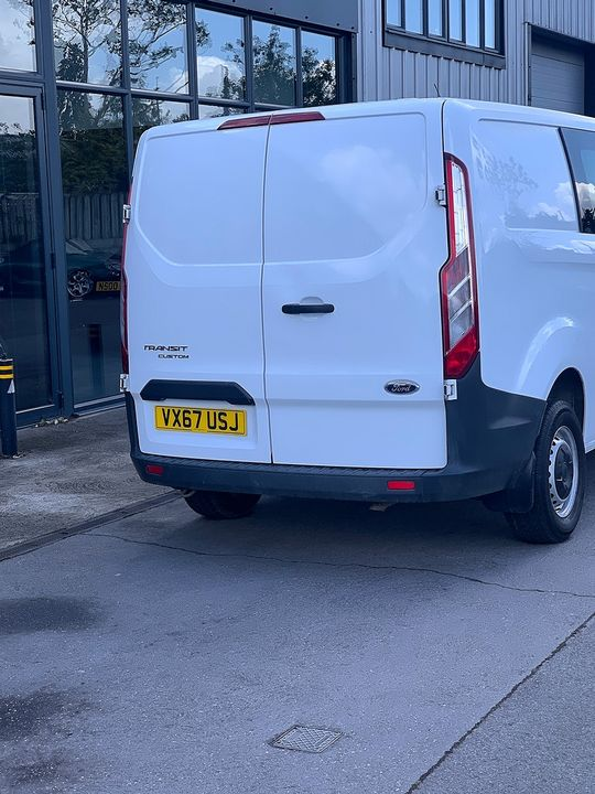 2017 FORD Transit Custom Crew Cab 2.0TD 105PS 270 FWD L1 - Picture 10 of 11
