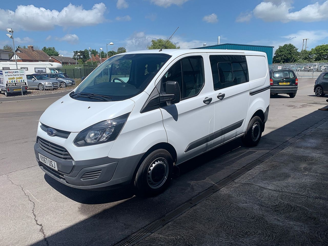 2017 FORD Transit Custom Crew Cab 2.0TD 105PS 270 FWD L1 - Picture 2 of 11