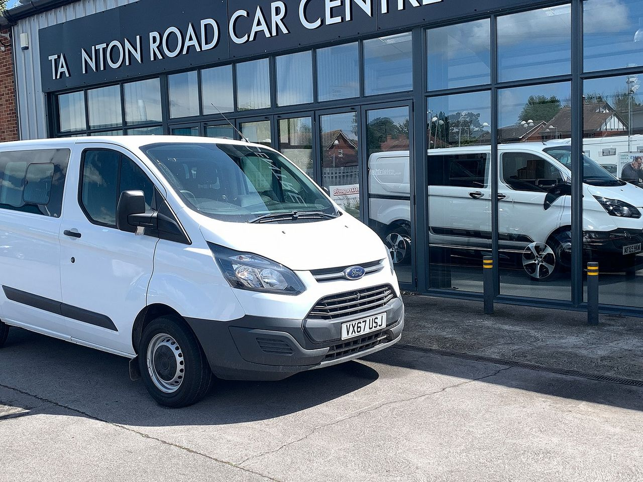 2017 FORD Transit Custom Crew Cab 2.0TD 105PS 270 FWD L1 - Picture 4 of 11