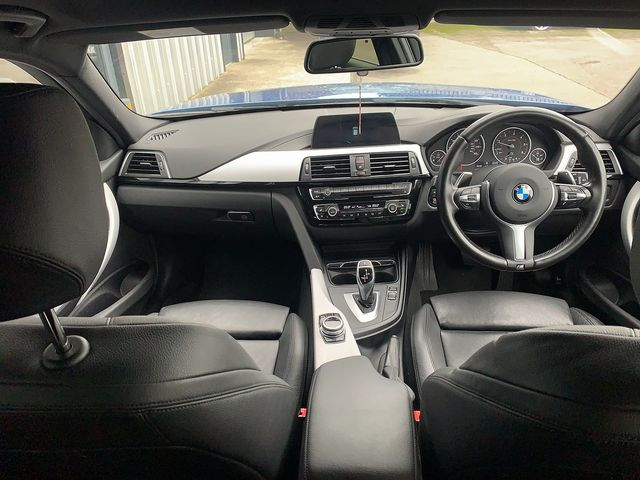 2017 BMW 3 Series  320d M Sport - Picture 10 of 10