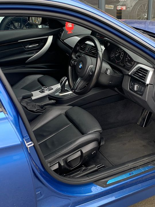 2017 BMW 3 Series  320d M Sport - Picture 5 of 10