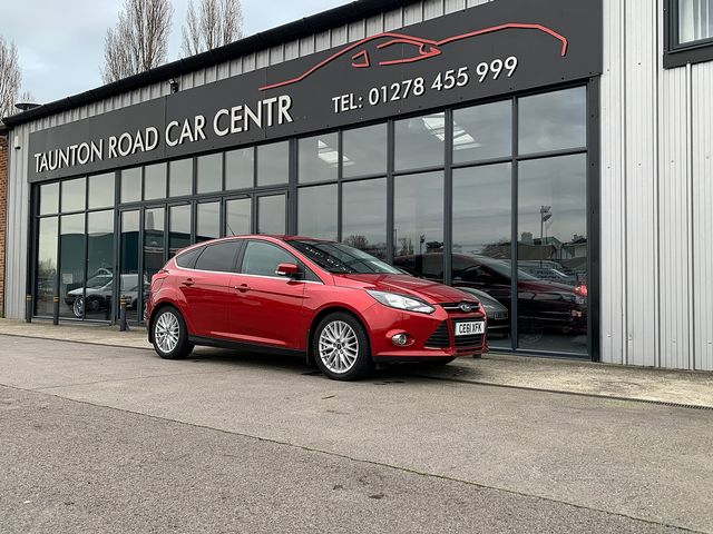 2011 FORD Focus Zetec 1.6 Ti-VCT 125 PS - Picture 1 of 9