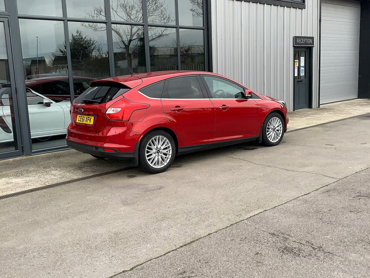 2011 FORD Focus Zetec 1.6 Ti-VCT 125 PS - Picture 4 of 9