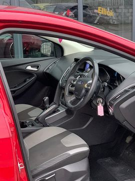2011 FORD Focus Zetec 1.6 Ti-VCT 125 PS - Picture 5 of 9