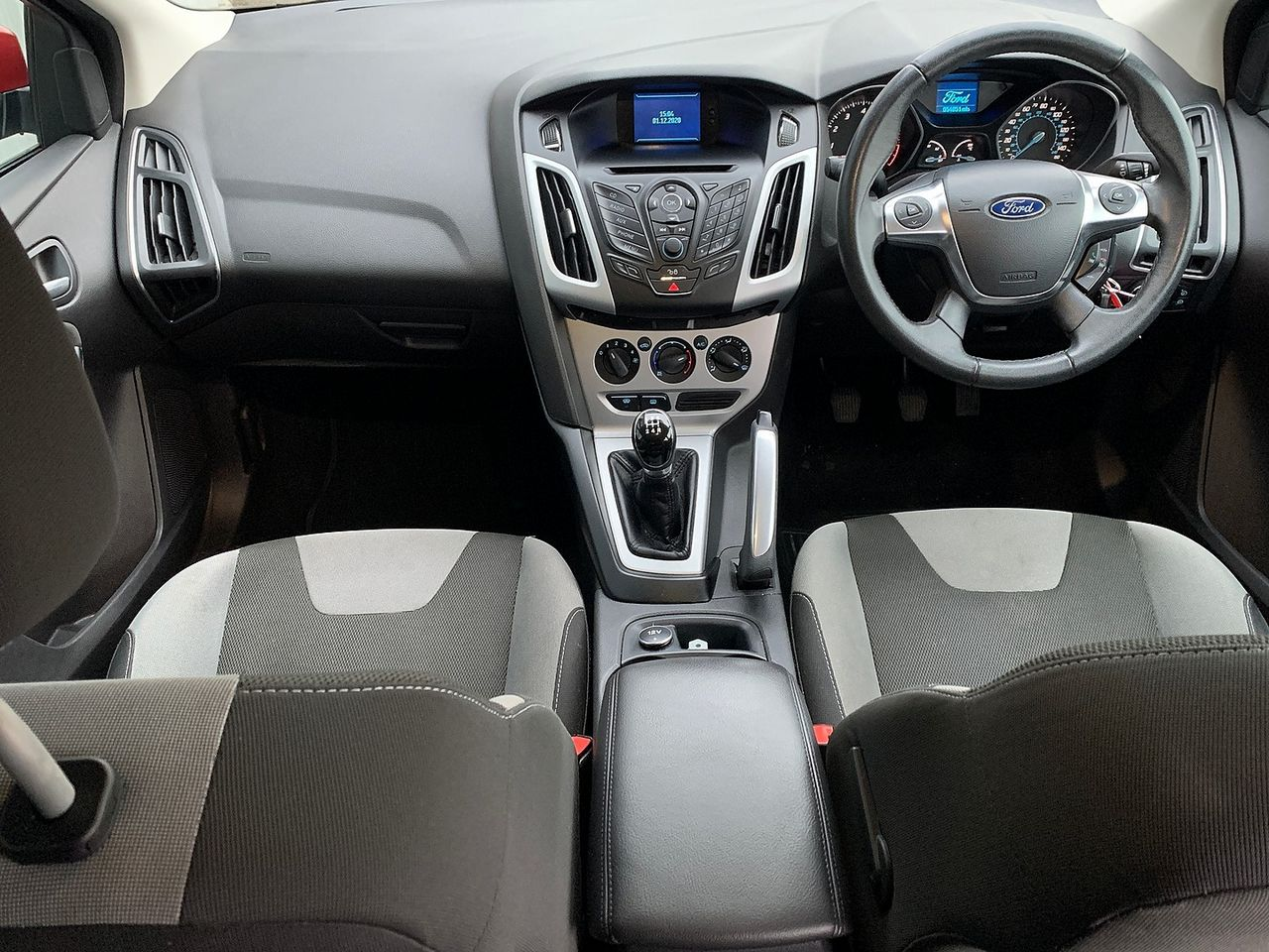 2011 FORD Focus Zetec 1.6 Ti-VCT 125 PS - Picture 6 of 9