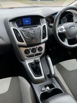 2011 FORD Focus Zetec 1.6 Ti-VCT 125 PS - Picture 7 of 9