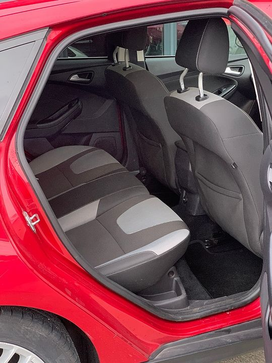 2011 FORD Focus Zetec 1.6 Ti-VCT 125 PS - Picture 8 of 9